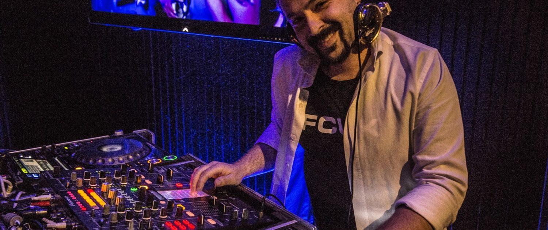 Mobile DJ hire in Melbourne