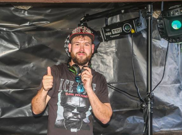 Mobile DJ hire melbourne