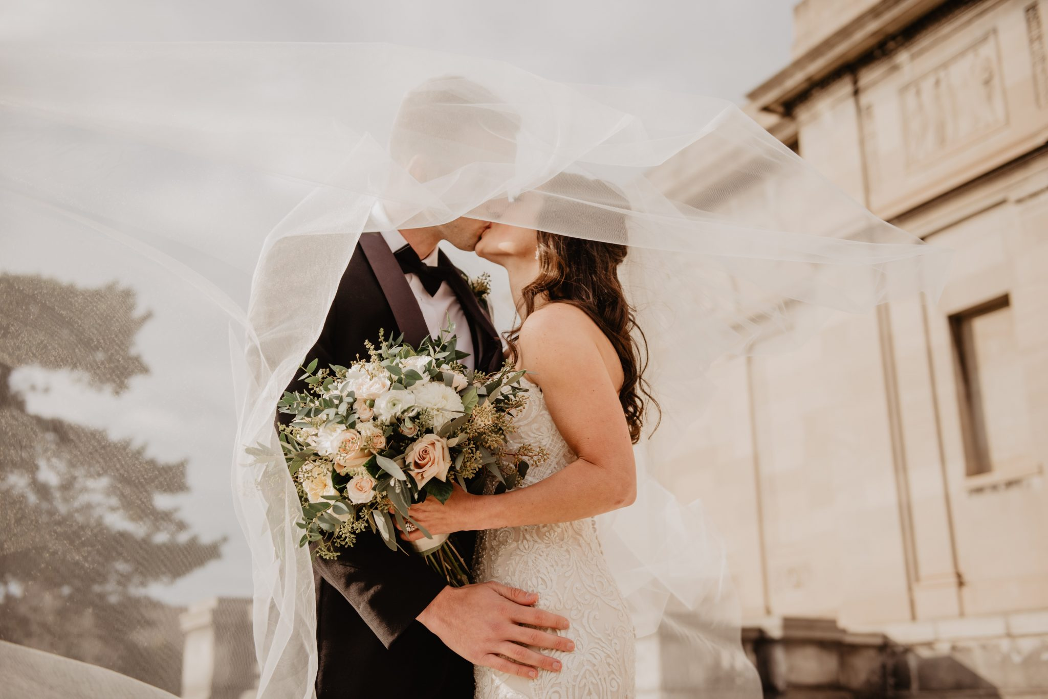 How to pick a wedding vendor