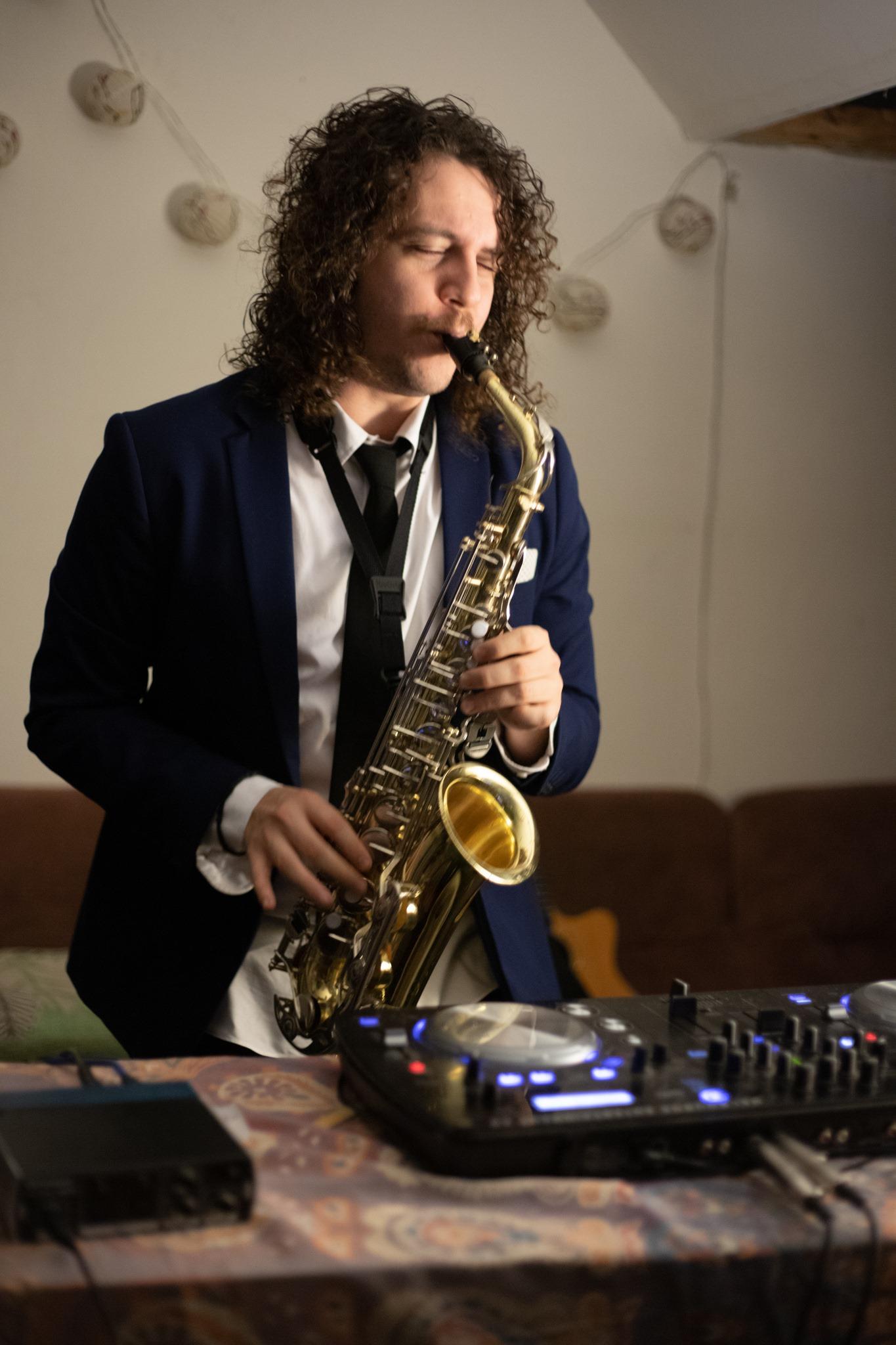 DJ Saxophonist hire Melbourne